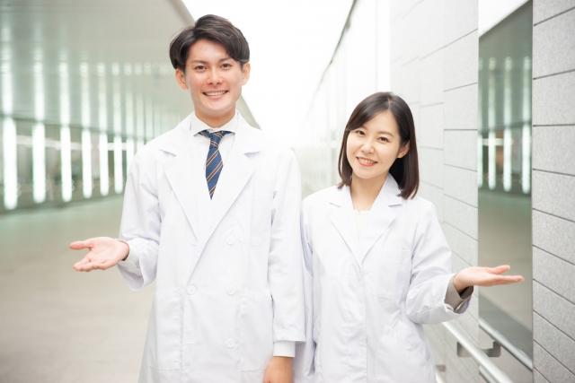 理系大学の教員に就職するには?仕事内容、役職、年収、将来性など解説!