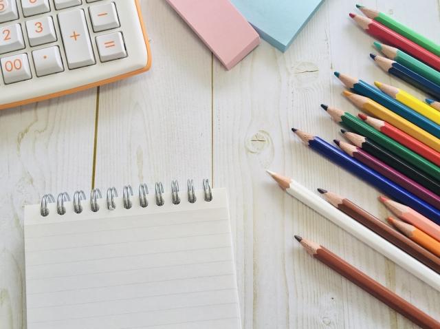 画家やイラストレーターは儲かる?稼げる?多様な稼ぎ方を紹介!