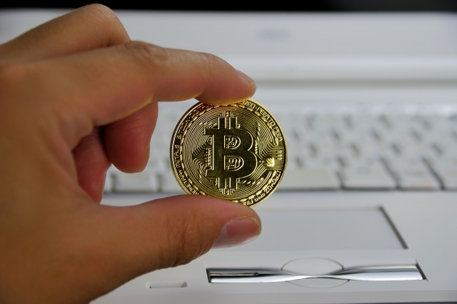 ビットコインは1000万円超える?稼げる、儲かる?注目の仮想通貨も紹介