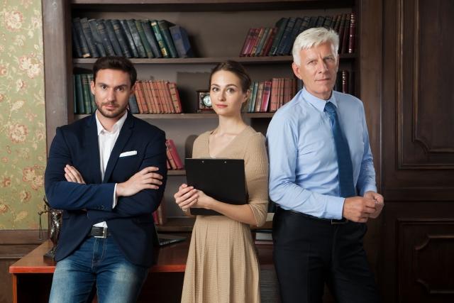 弁護士は稼げるの?儲かるの?必要な資格から、年収、将来性までを解説