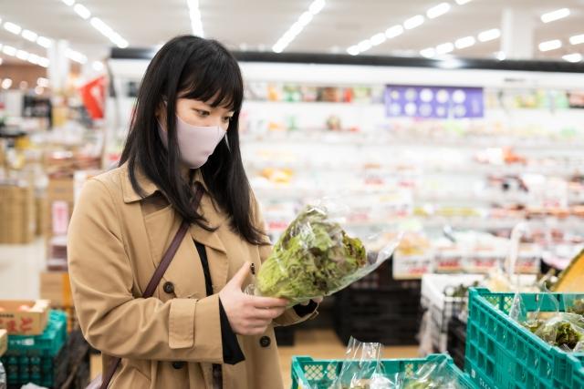 スーパーマーケットの社員は大変?資格や年収、将来性、稼げるのか解説