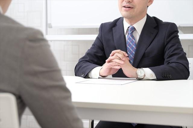 自衛官・自衛隊の給料は?稼げる・儲かる?辞めた後の就職先はあるの?