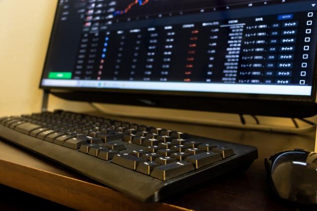 ロボアドバイザー、投資信託で稼げる?儲かるのか?勝てる?負ける?