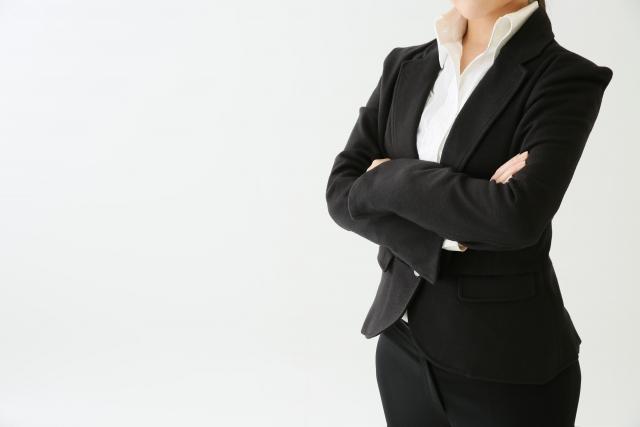 行政書士は稼げる?儲かる?年収・給料、資格、仕事内容を解説します